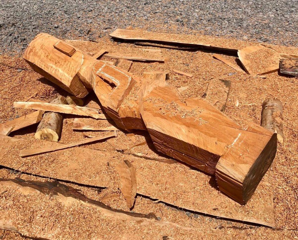 Making Polynesian Tiki from wood in the Marquesan islands