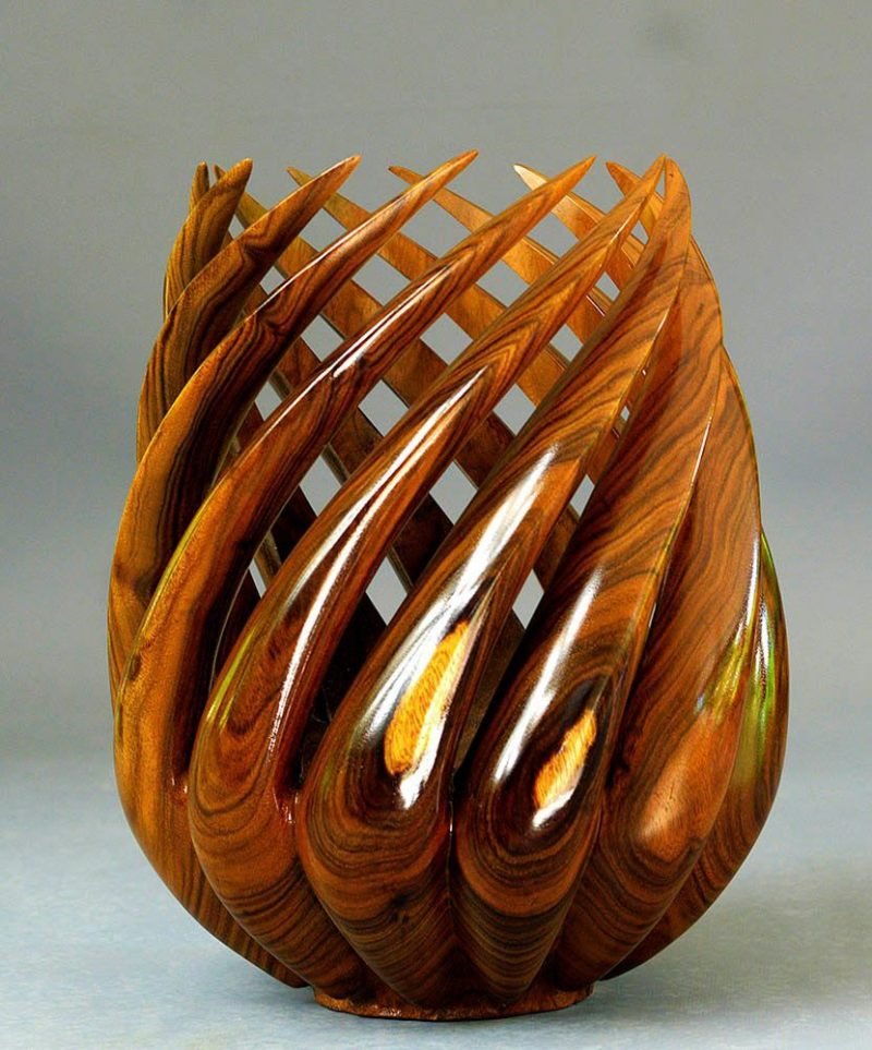 "Spiral Vase in ""Tou or Miro"" wood"